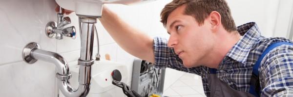 repair-faucet_146630252